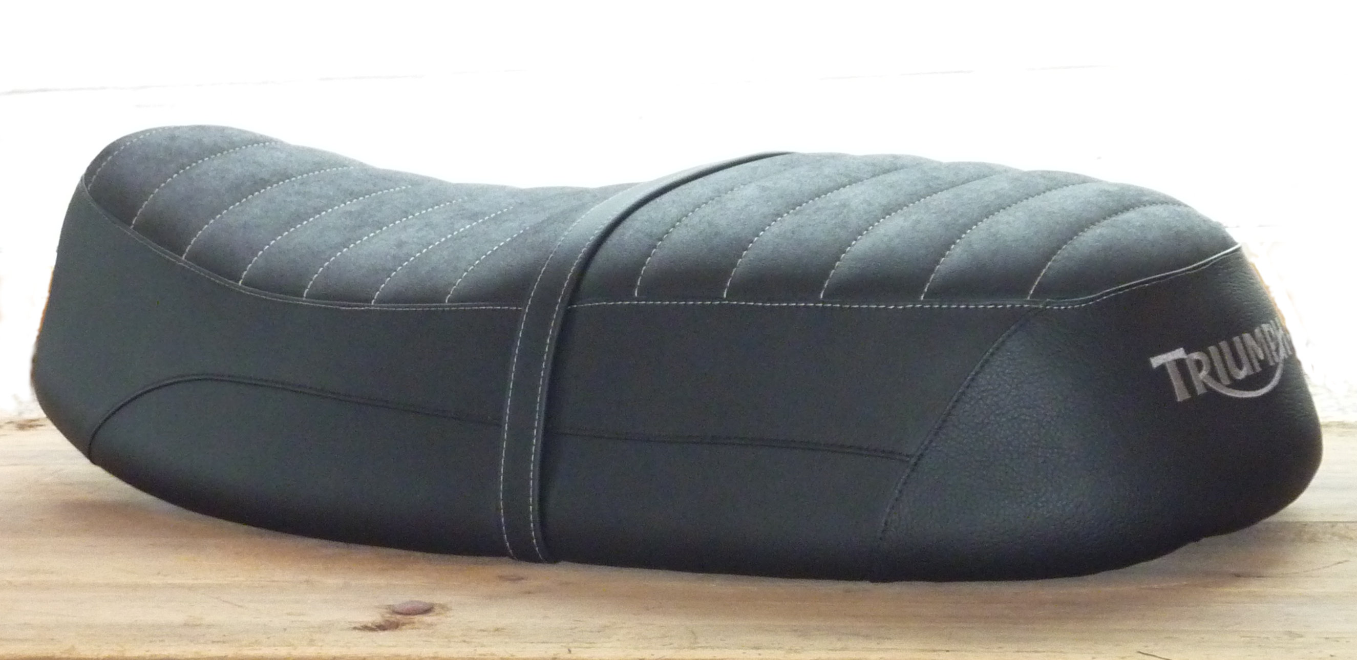 triumph msc sattlerei. Black Bedroom Furniture Sets. Home Design Ideas